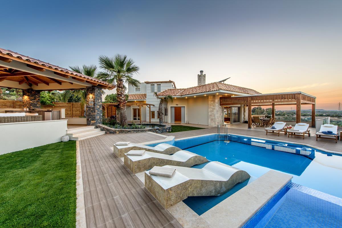 Luxury villa in greece belle helene 27 welcome greece for Villas 2018